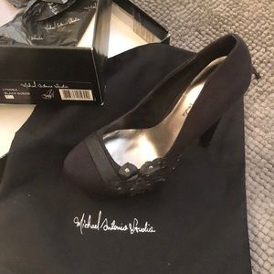 New in box Michael Antonio Studio heels Sz 7